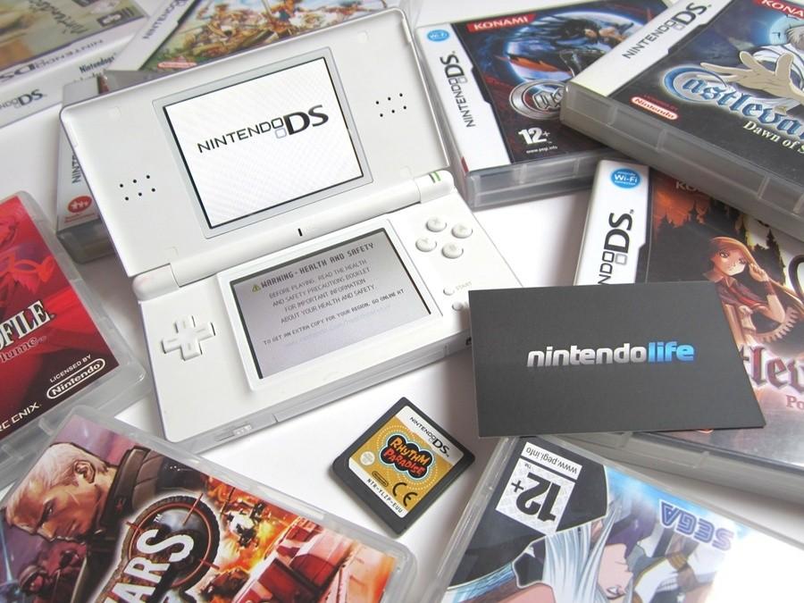 Nintendo DS (2004)