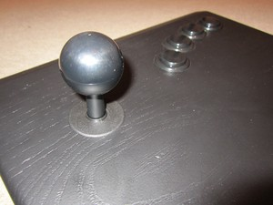 The Analogue Arcade Stick boasts the exact same arrangement and components as the original MVS arcade cabinet