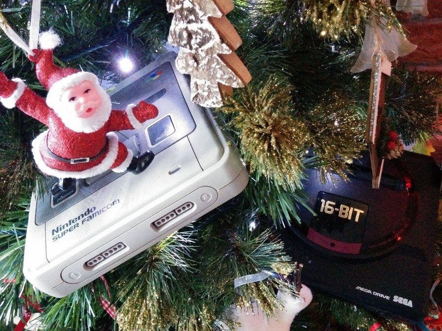 Two consoles in a Xmas tree!