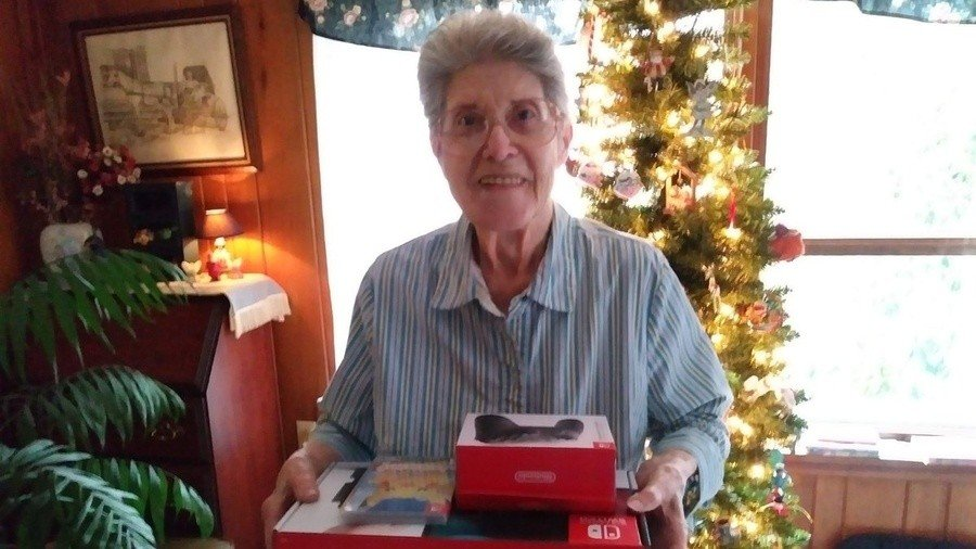 Our favourite gaming grandma receiving a Switch thanks to donations from the gaming community