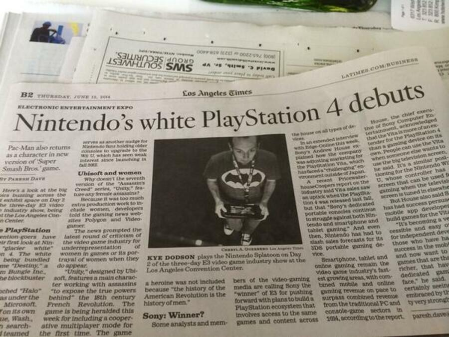 Nintendo White PS4