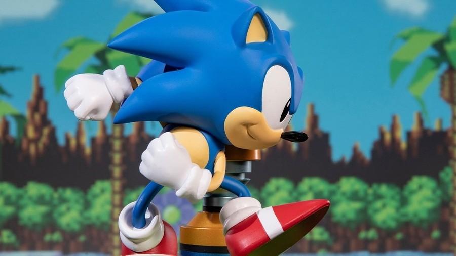 Sonic F4F Statue