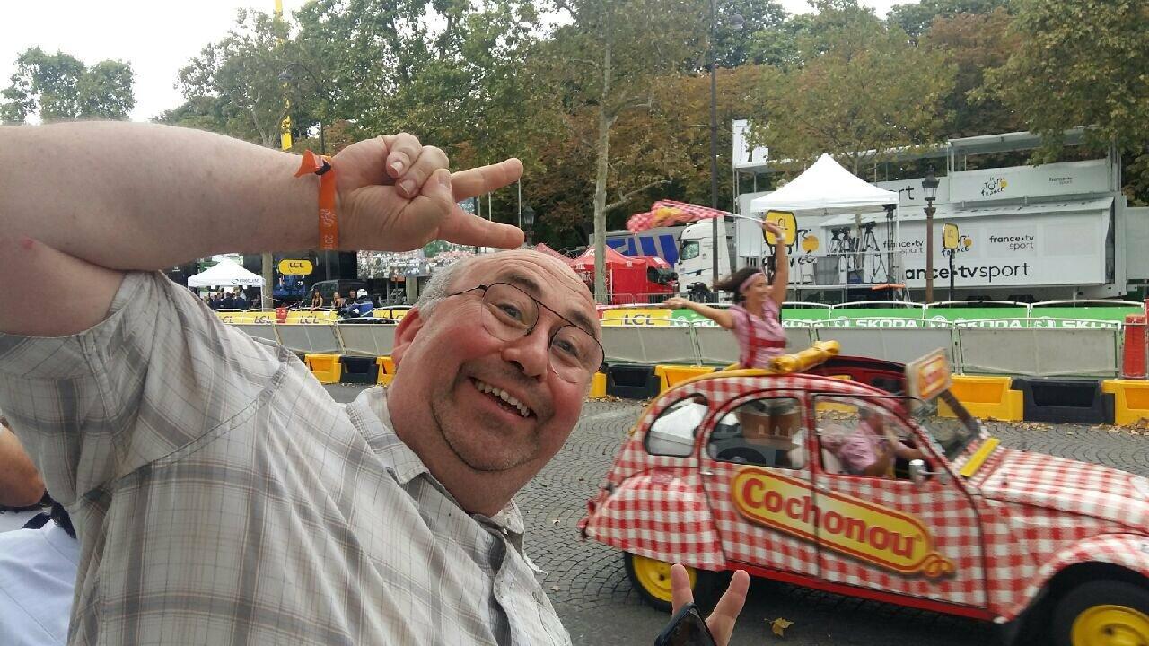 """La burla de """"Están enterrando Pokémons"""" durante el tributo al coronavirus chino causa alboroto en Francia 63"""