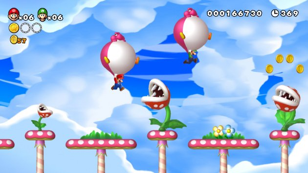 New Super Mario Bros. U - inflatable Yoshis