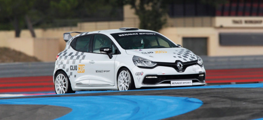 2013 Renault Clio RS Cup Racer Front Right Side