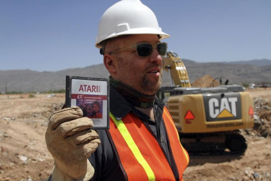 Film Director Zak Penn shows off one of the discovered cartridges (via New York Daily News)