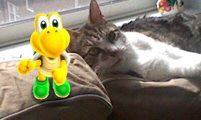 Koopa Troopa poses for a photo with a Nintendo Life intern