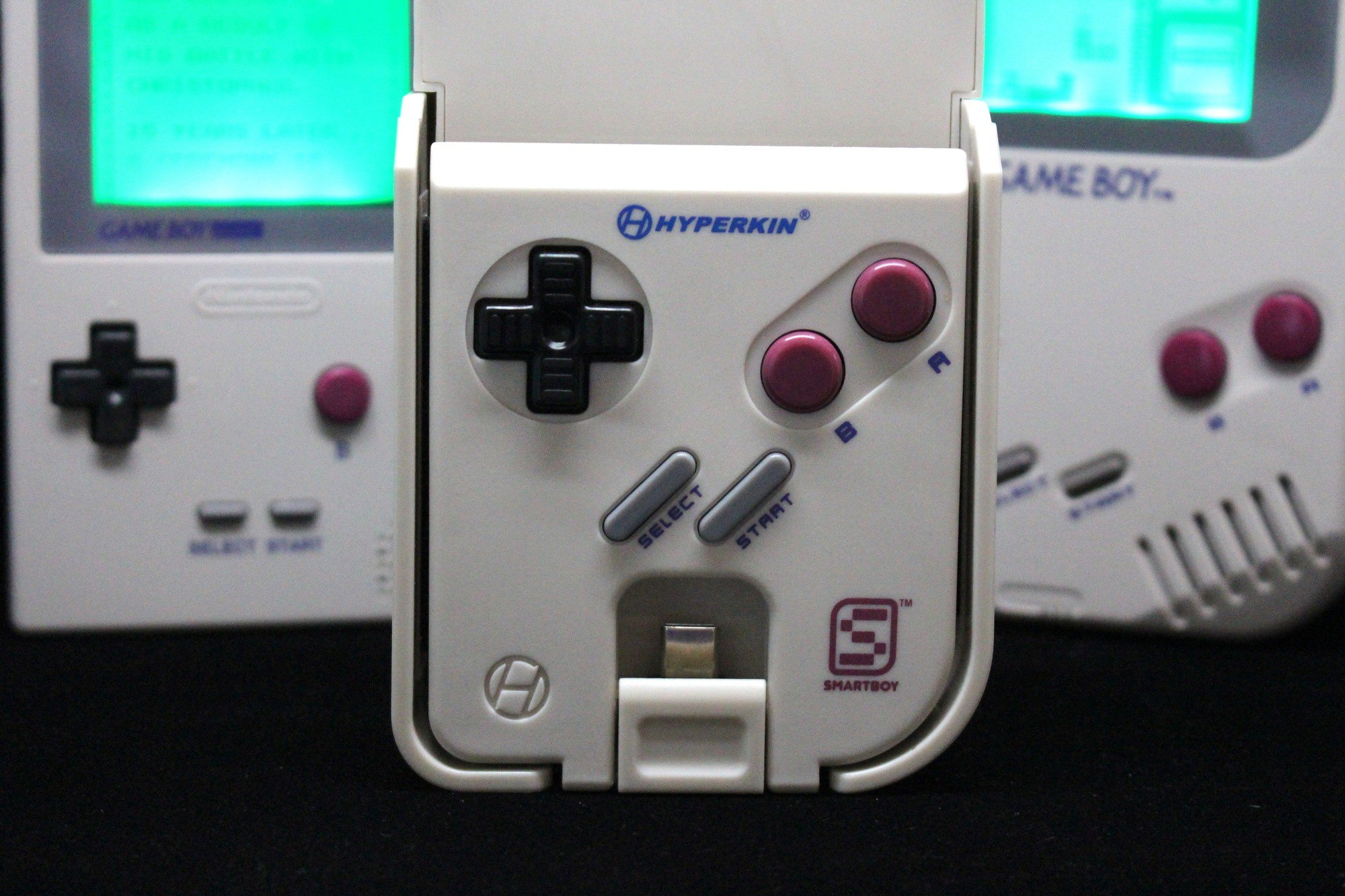 Hardware Review Hyperkin SmartBoy Turns Your Smartphone Into A - Hyperkin smartphone gameboy