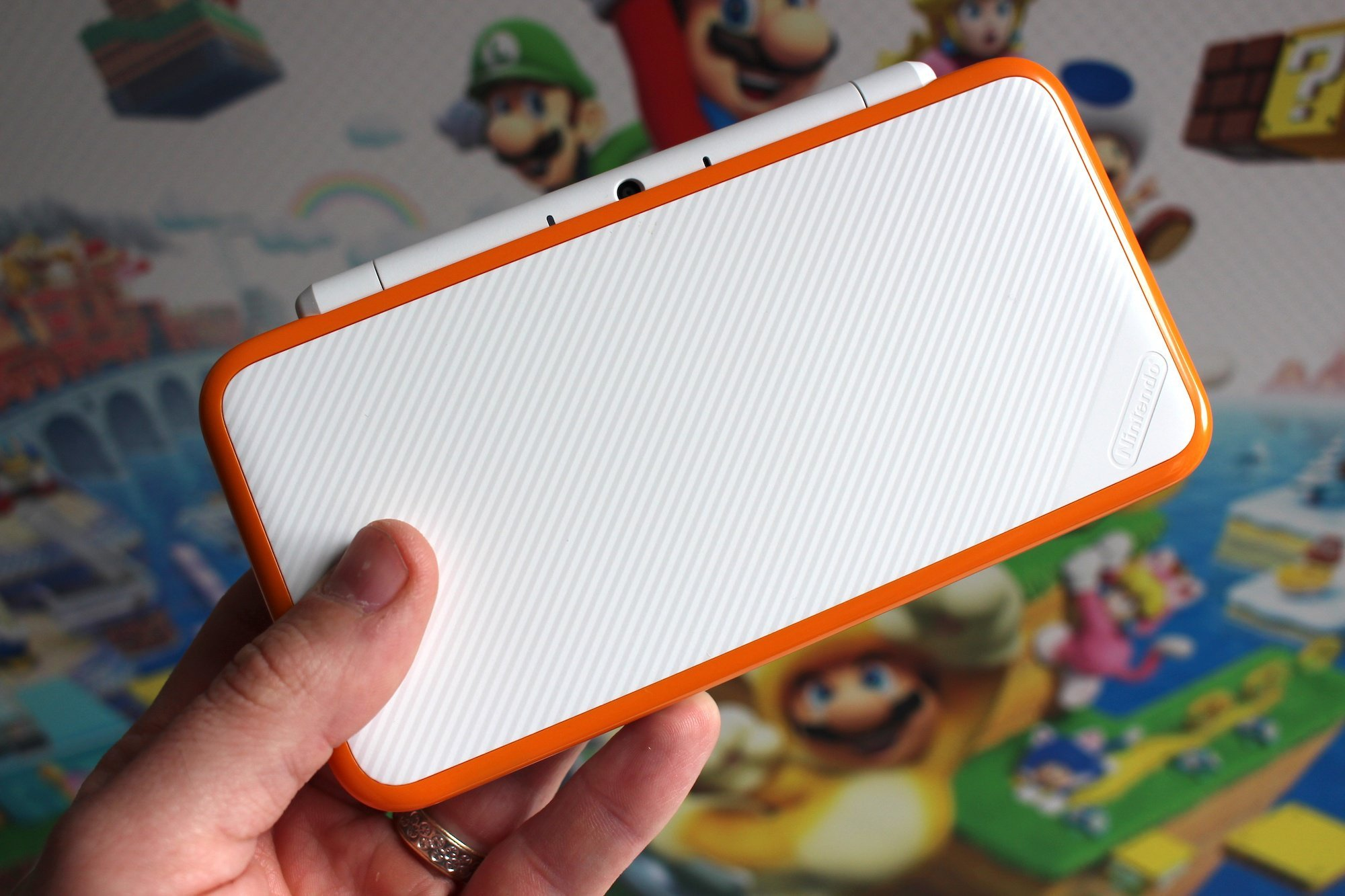 New 2DS XL Tops Japanese Hardware Chart As Switch Sales Plunge Amid