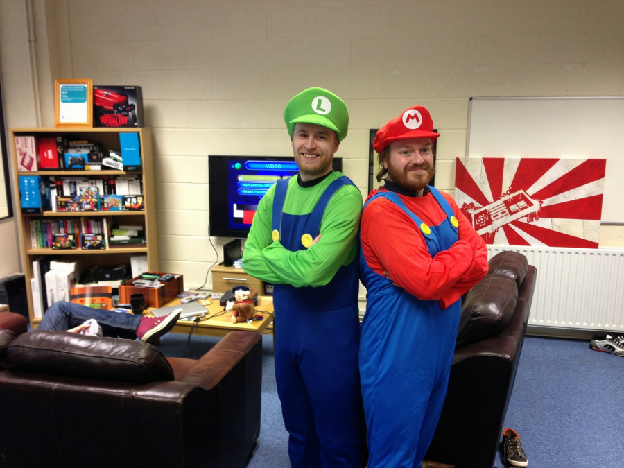 Mario & Luigi do the Edinburgh 10k